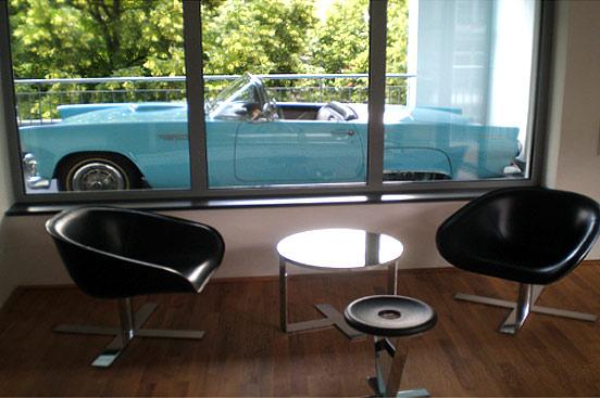 авто на балконе, балкон парковка, автомобиль на балконе
