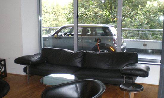 avto_na_balkone3