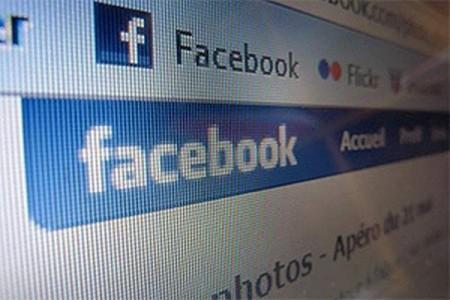 Основатель eBay и PayPal продал большую часть акций Facebook